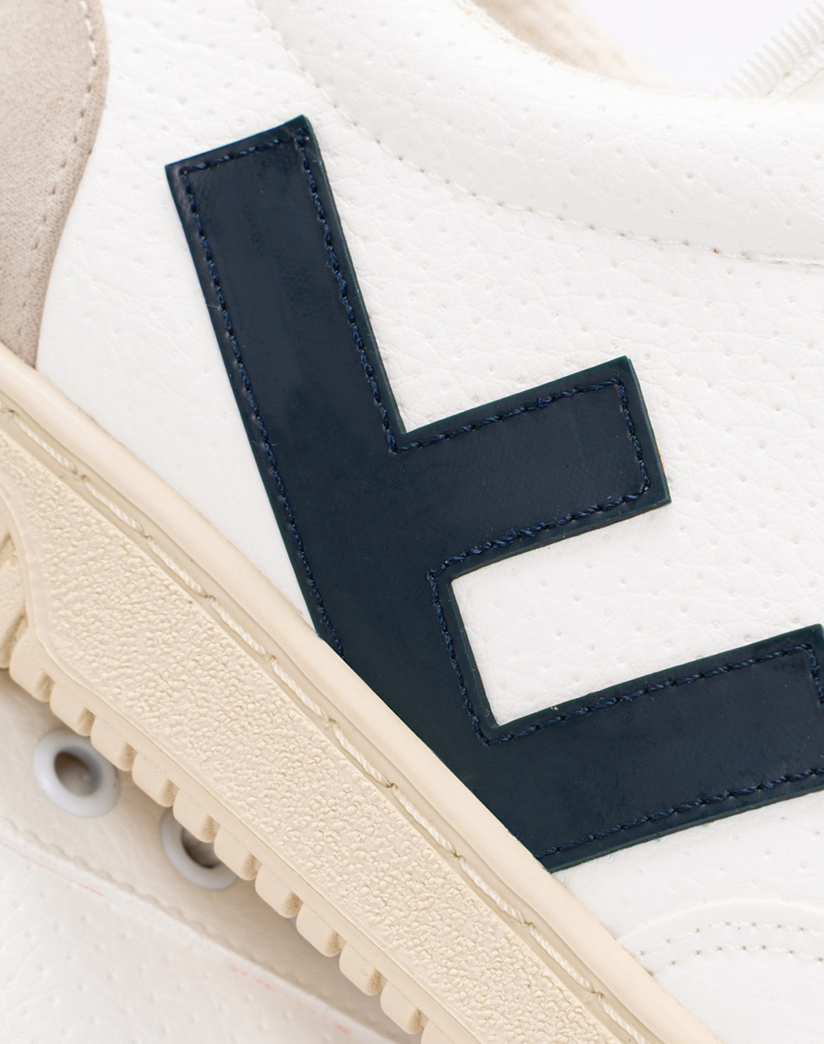 Roland Sneaker v3
